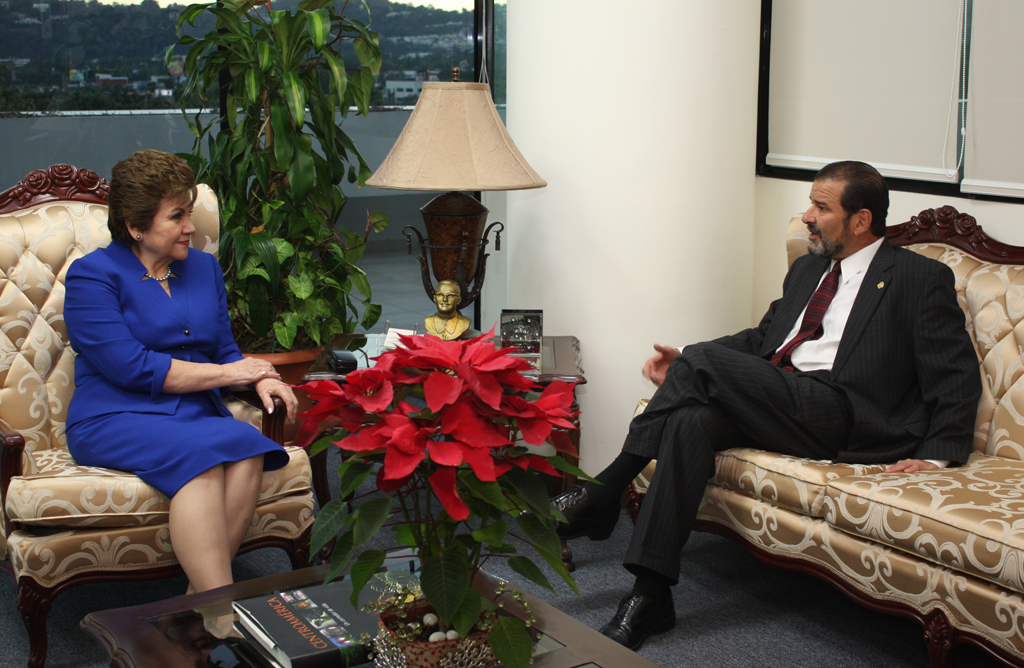 Secretary General of SICA meets with Ambassador of Costa Rica in El Salvador